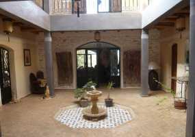 Villa à  de 470 m²
