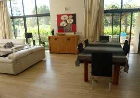 Villa à  de 220 m²