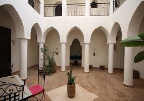 Villa à  de 480 m²